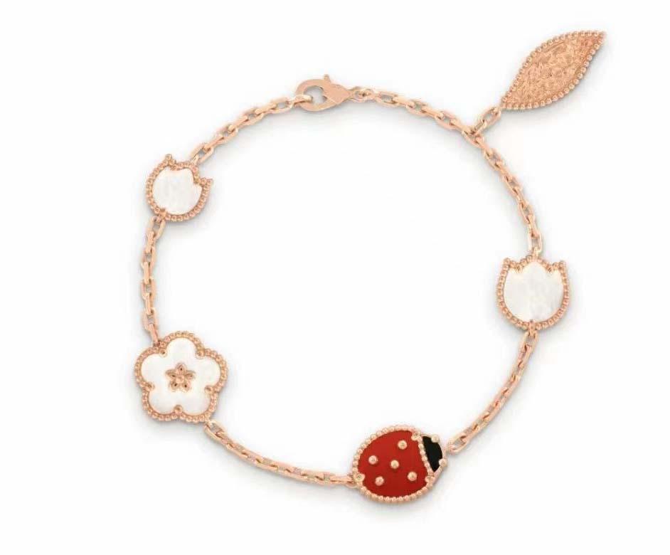 2021 Serisi Ladybug Moda Yonca Charm Bilezikler Bileklik Zincir Yüksek Kalite S925 Ayar Gümüş 18 K Gül Altın Womengirls Için Düğün Anneler Günü Takı Hediye Aşk