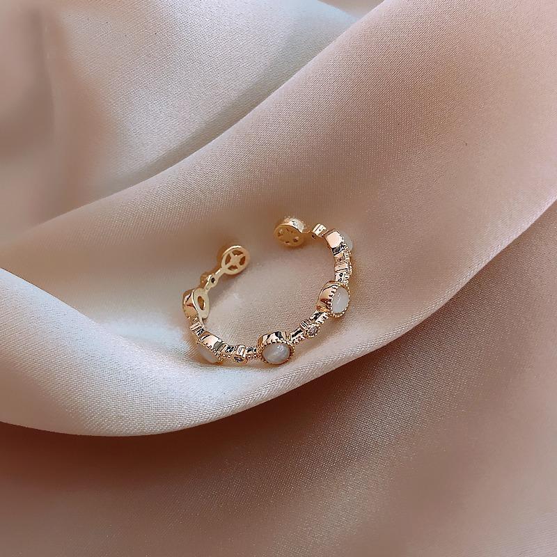 2021 clásico pequeño anillos redondos japoneses japoneses de lujo europeo y americano mujeres sexy Índice dedo dedo Anillo de apertura