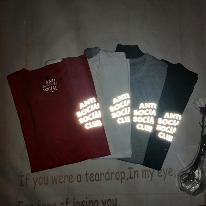 Мужчины и женские футболки летняя мода алфавит печатает светоотражающее письмо с коротким рукавом футболки высококачественные повседневные стилисты мужская одежда
