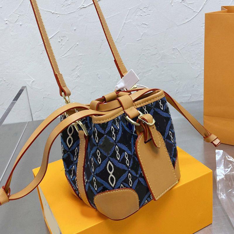 여성 크로스 바디 가방 양동이 가방 핸드백 패션 고품질 데님 캔버스 시리즈 패치 워크 컬러 문자 스트링 이동식 어깨 끈