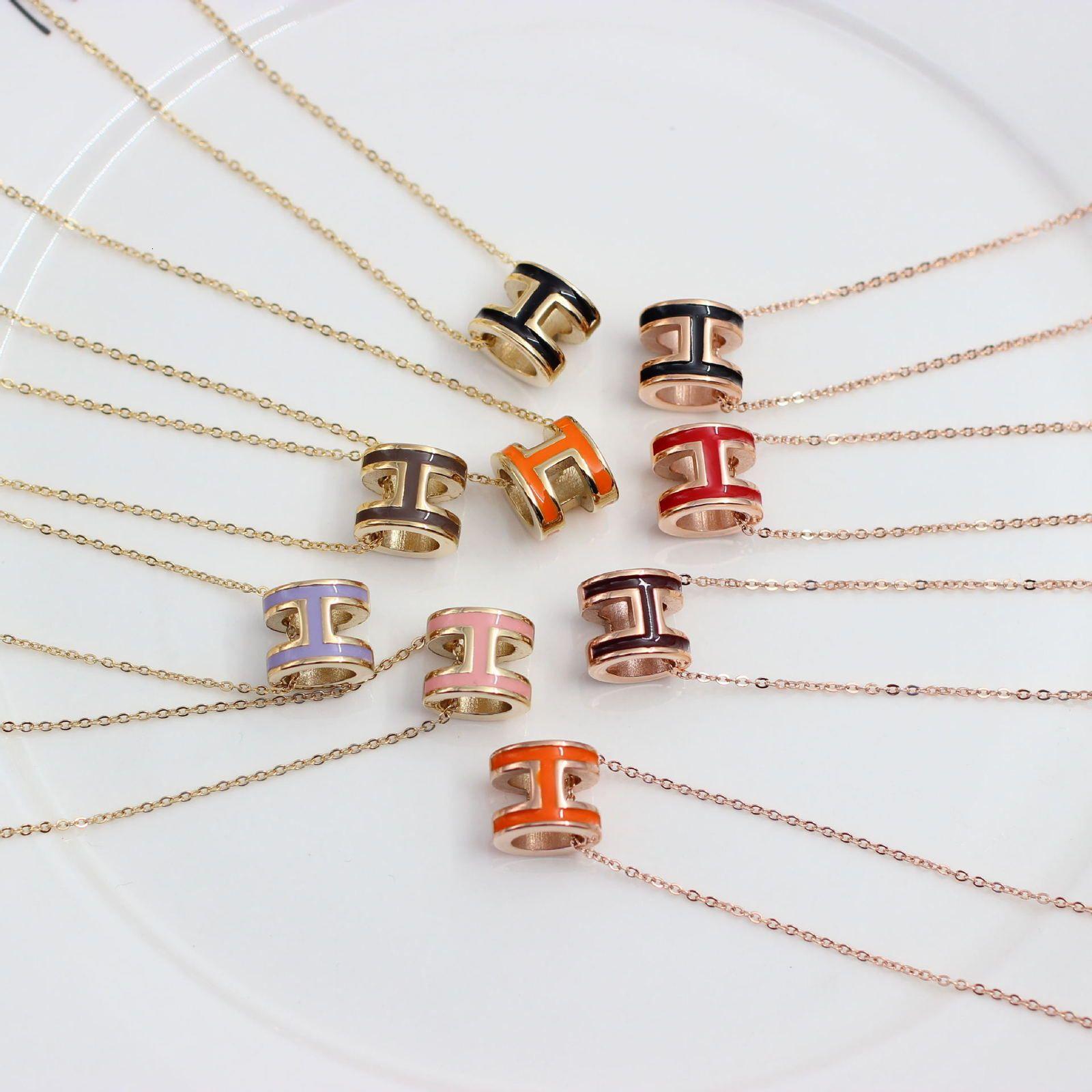 Nuevo estilo de moda h letra de acero de titanio de titanio joyería