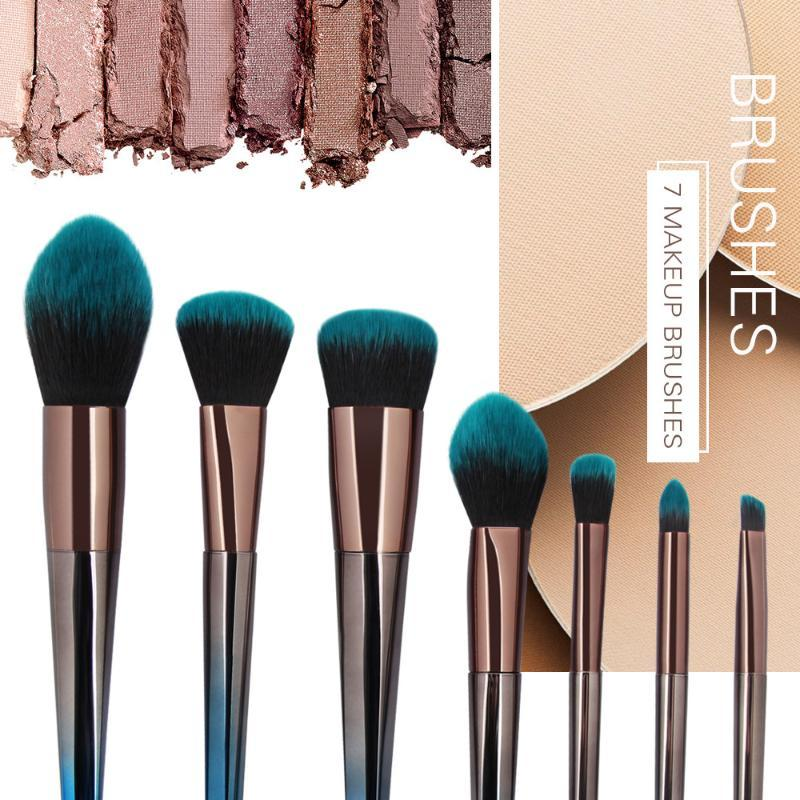 Pennelli per il trucco 7pcs Pennello cosmetico Blusher Eye Set Kit set 2021