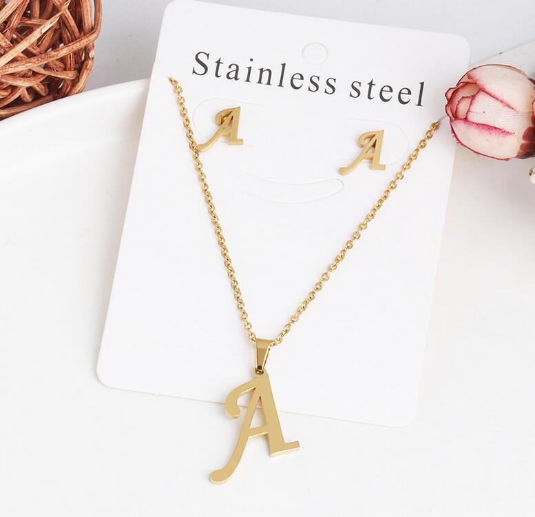26 Colares de carta com brinco conjunto de aço inoxidável Gargantilha de ouro Pingente inicial Colar mulheres alfabeto correntes jóias por atacado
