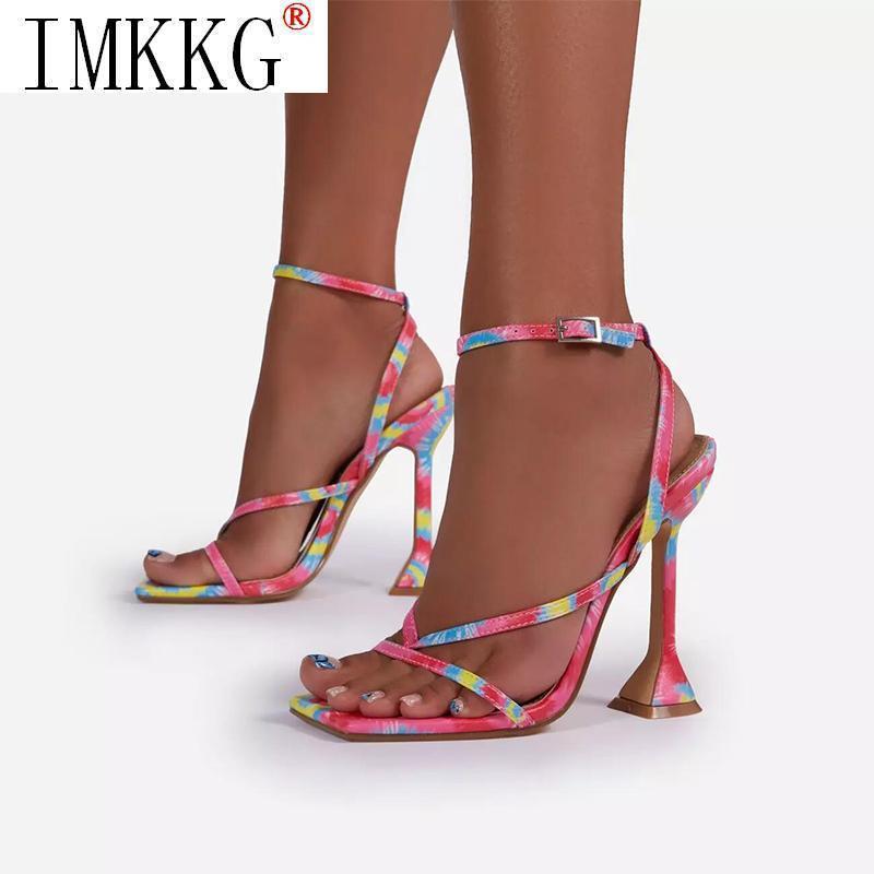 Kadın Gökkuşağı Renk Sandal kadın Toka Kayış Yüksek Topuklu 2021 Yaz Kadın Çevirme Bayanlar Kare Toe Kadın Ayakkabı Artı Boyutu Sandalet