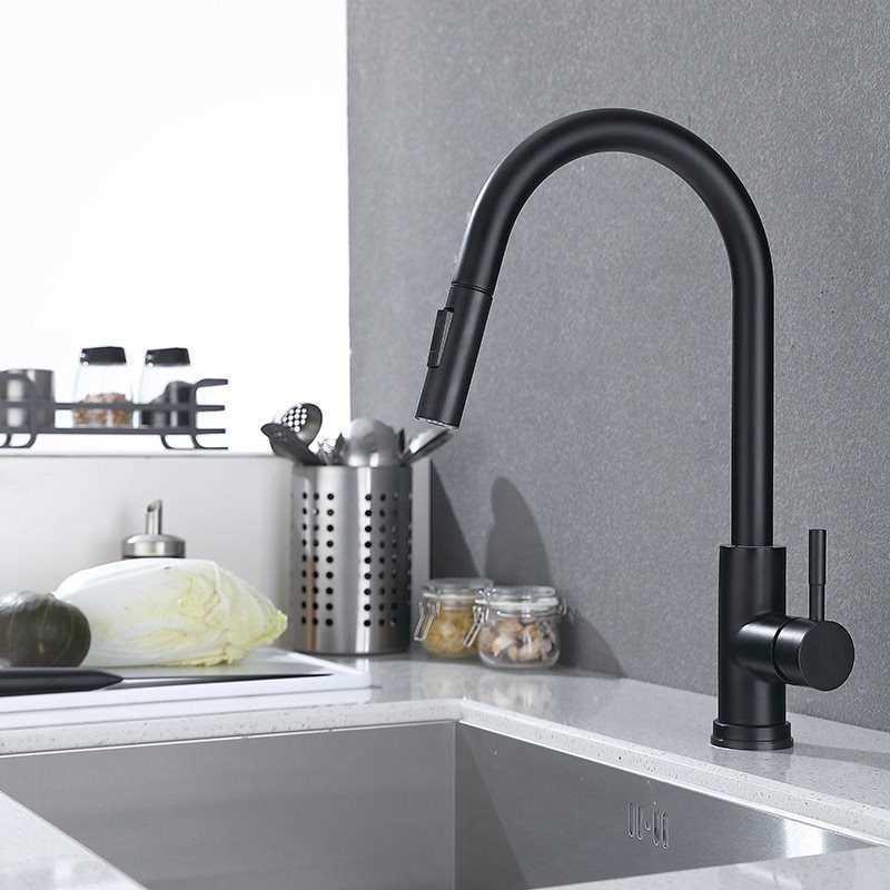 Faucet de cozinha do sensor preto fosco e frios giratória da mola da mola Fornecedor doméstico Indução inteligente da indução misturada 210724