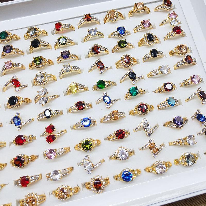 50 قطعة / الوحدة الملونة الحجر الطبيعي خواتم للنساء السيدات الأحجار الكريمة مجوهرات الأزياء الدائري مزيج أنماط هدية عيد الحب