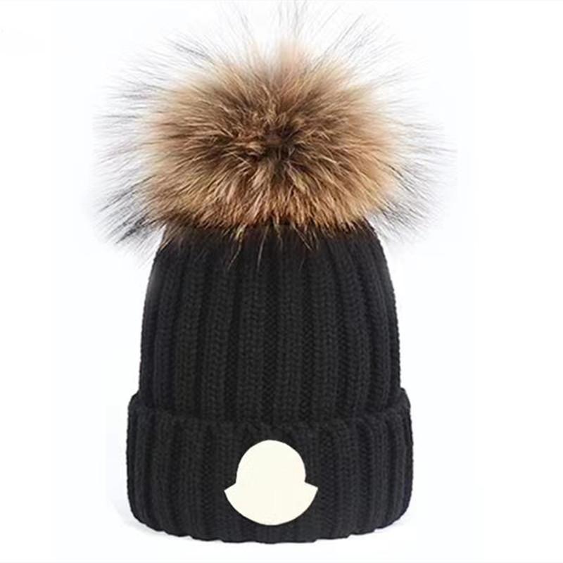 الجملة عالية الجودة الشتاء قبعات القبعات النساء والرجال بيني مع ريال الراكون الفراء pompoms الدافئة فتاة قبعة snapback pompon قبعة