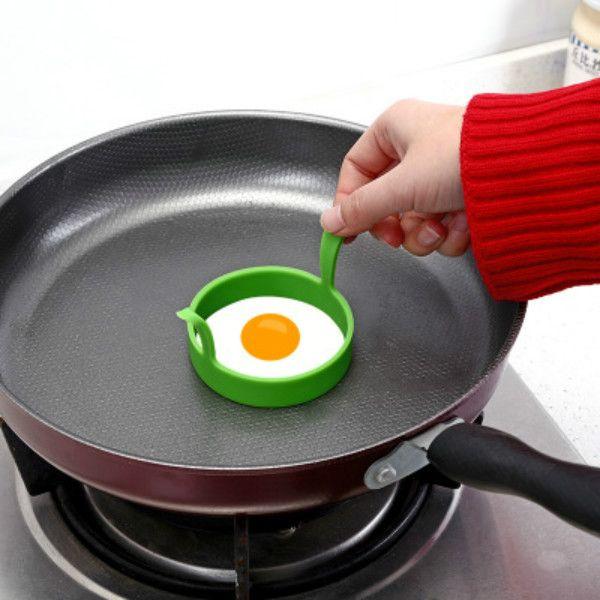 달걀 도구 다른 색깔 주방 실리콘 튀김 튀김 푸른 오븐 Poacher Poach 팬케이크 링 금형 도구 RH01452