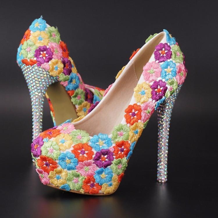 Sandalias de encaje de flores de encaje de encaje alto tacones altas plataforma mujer zapatos de fiesta blanco rosa azul
