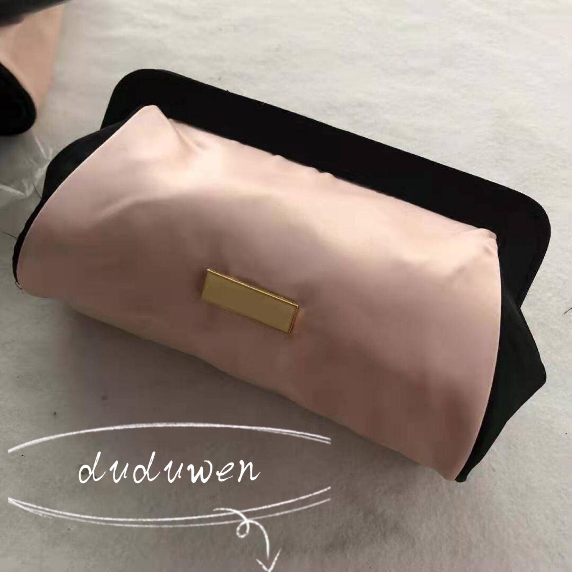 23x14x8 الكلاسيكية p مشبك لينة الوردي ماكياج حقيبة التخزين الأزياء الحرير مستحضرات التجميل سحر المفاجئة ختم pr جمع البند