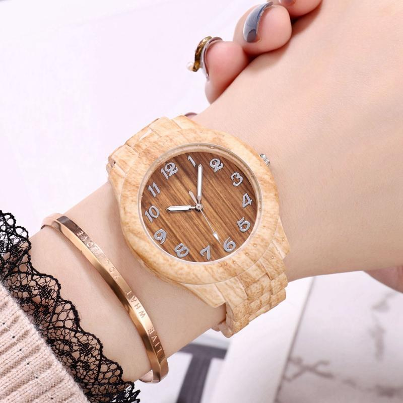 Men Fashion Casual Bamboo Bracelet Watches Mens Designer Watch Wooden Quartz Wristwatches Gift