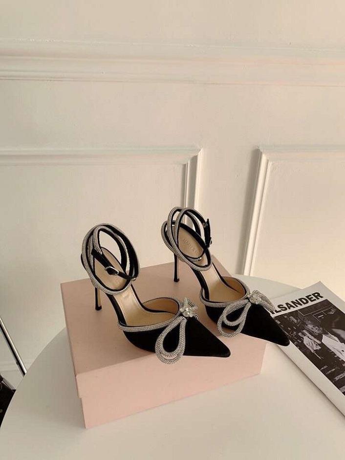 Sivri Yay Rhinestone Yüksek Topuklu Ayakkabı Kızlık Duygu Yönlü Yeni Sıcak Elmas Saten Ayak Bileği Kayışı Wrap Sandalet Kadın