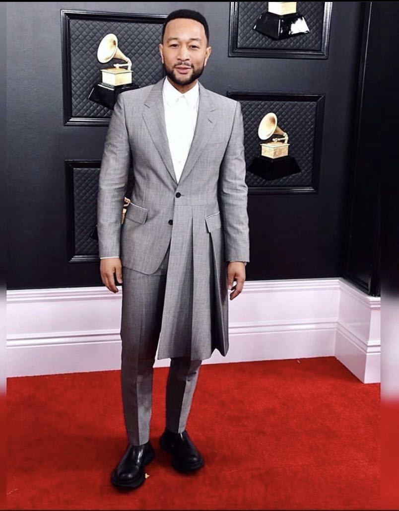 Yeni Varış Gri Düzensiz Erkekler Takım Elbise Kostüm Damat Smokin Çentik Yaka Düğün Terno Masculino Slim Fit 2 Parça (Ceket + Pantolon)