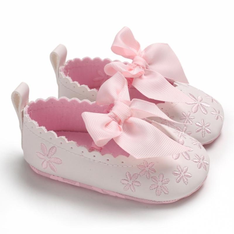 طفل الفتيات طفل الرضيع أول مشوا الربيع لينة الوحيد عدم الانزلاق بو الأميرة عارضة الأحذية التطريز الأزهار مع bowknot