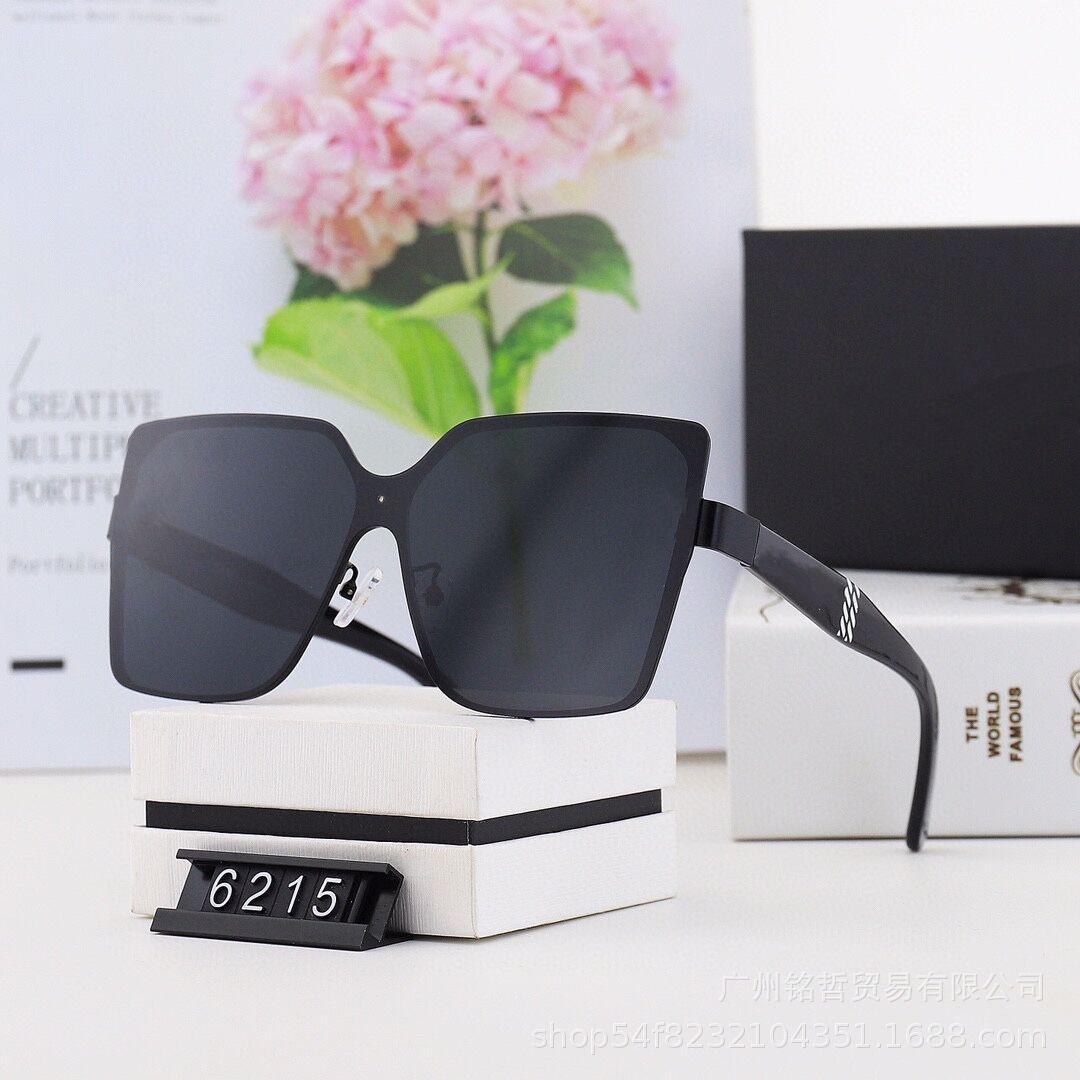 أزياء نظارات عالية الجودة الاستقطاب الرجال والنساء إطار الشارع مربع النظارات 6215 نظارات الشمس مع صندوق القضية