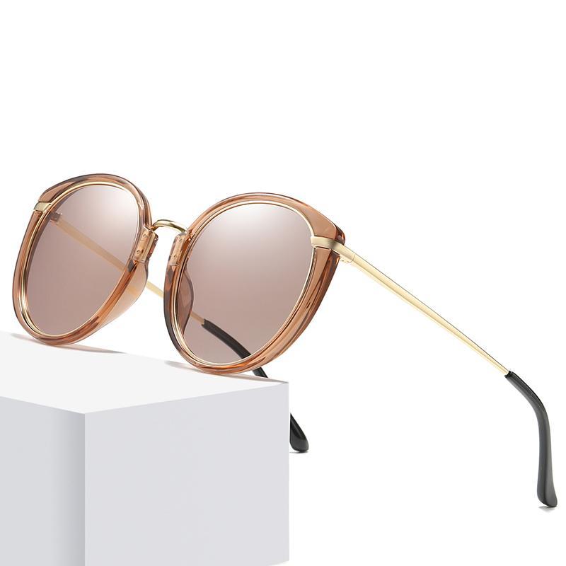 Lunettes de soleil stylish mignon adorable cadre en plastique promotionnel faible MOQ Mesdames 2021 avec lentille polarisée ovale