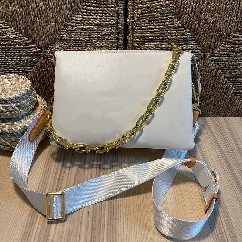 Lujos de diseñadores Bolsos Lady Coussin Pm Primavera-Verano 2021 Bolsos de mujer Bolso blanco Bolsa de beallero Bolsa de Crossbod Crossbody Tote con caja