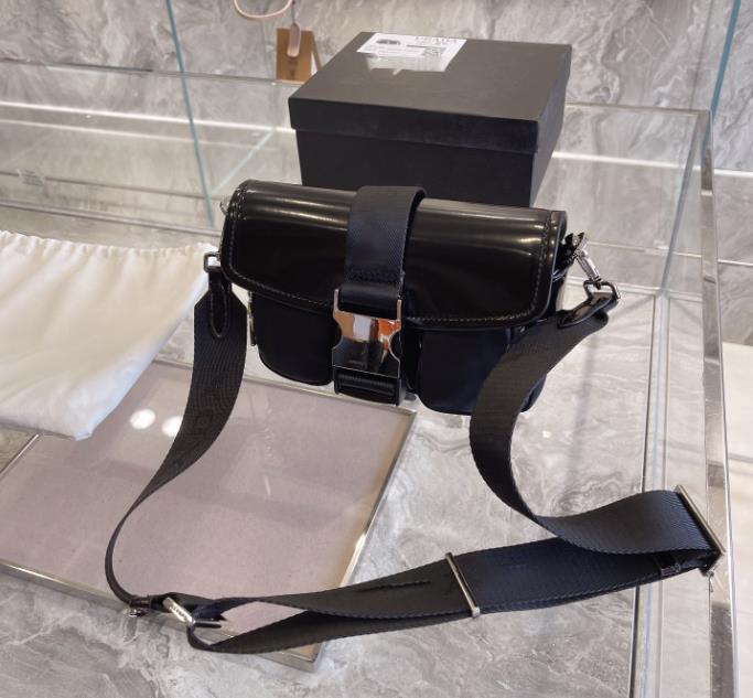 패션 가방 크로스 바디 가방 포켓 나일론 소재 패션 고품질 다기능 디자이너 유니섹스 여성 Luxurys 가방 남자 가방