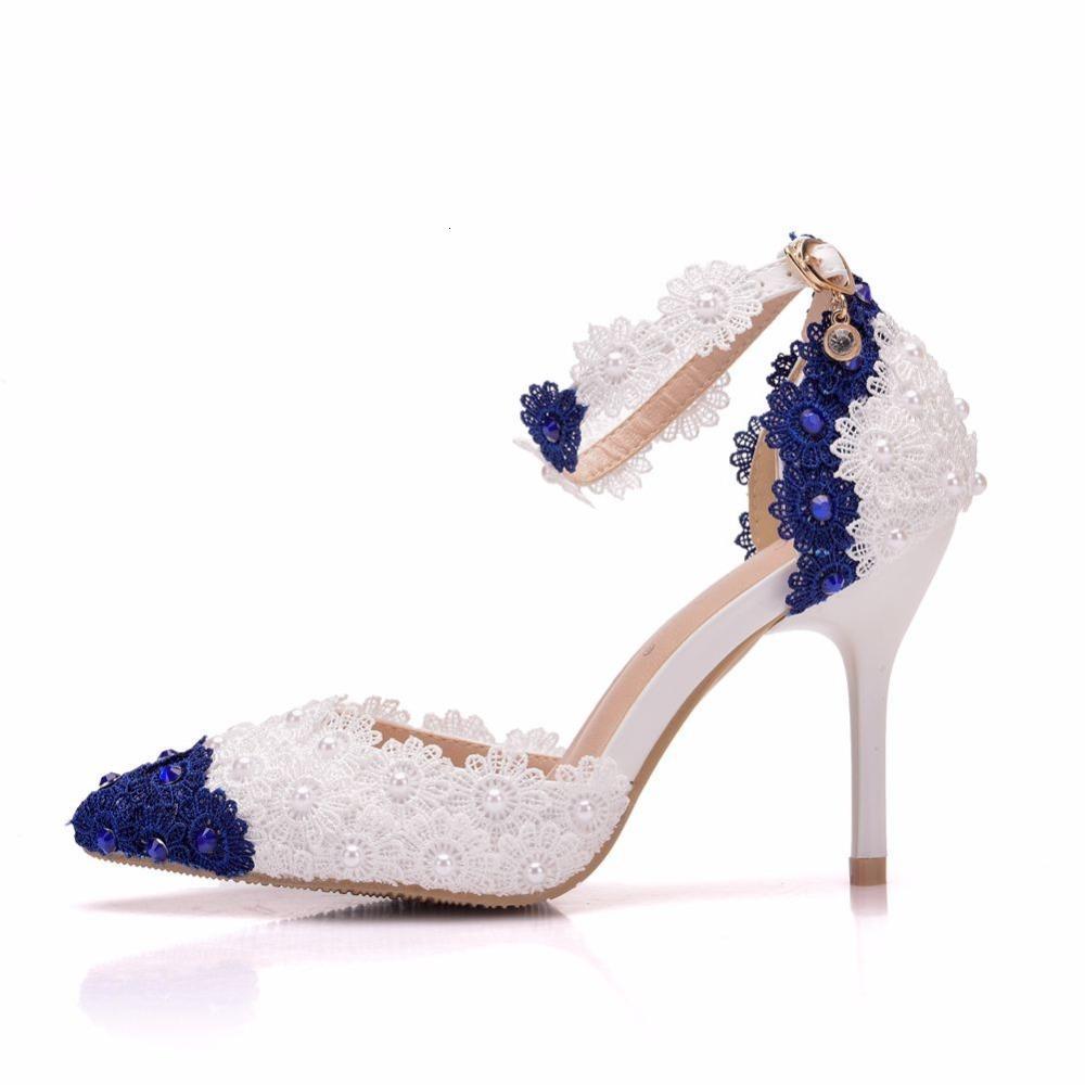 Sandales femmes fines talons sandales hauts talons blancs bleus chaussures de mariage pointu tree dentelle perles de fleur pompes