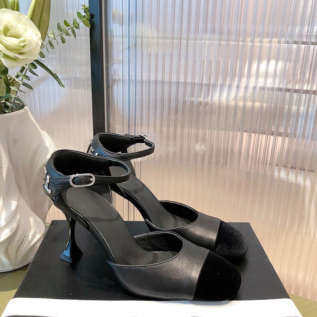 En Kaliteli Lüks Tasarımcı Sonbahar Bayanlar Ayakkabı Klasik Küçük Ayakkabı Yuvarlak Kafa ve Bun Stil ile İngilizce renklerde boyut35-41