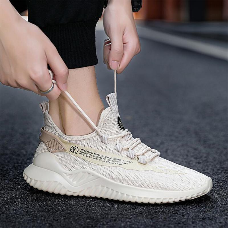 2020 Verano Nuevos Hombres transpirables Deportes blancos Zapatos casuales Zapatillas de deporte para hombre Zapatos de moda Malla de moda Zapatos para caminar Tenis masculino 222