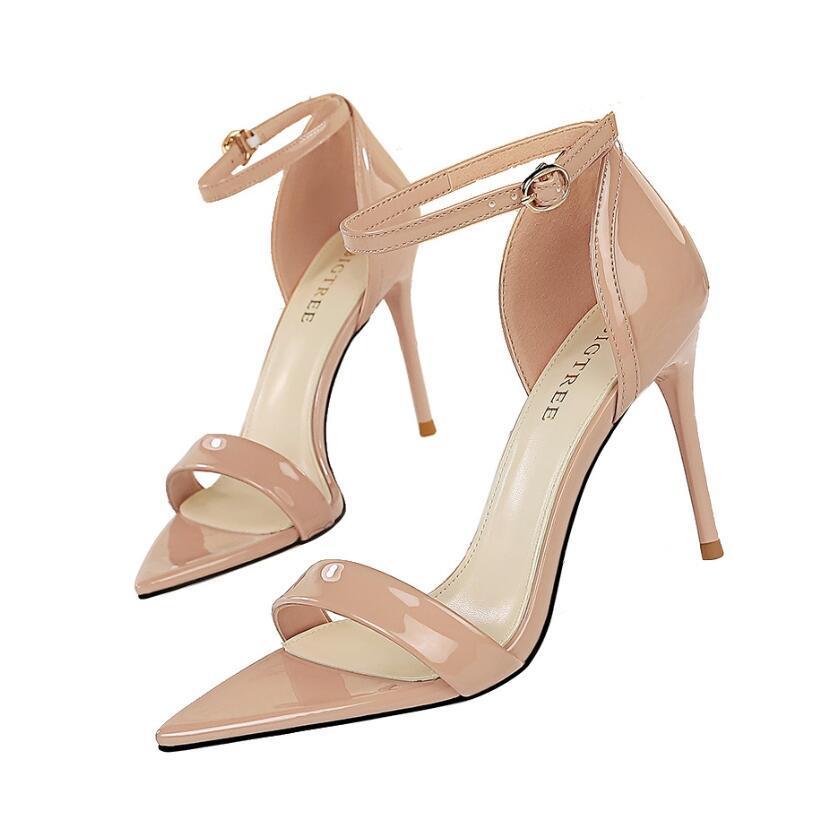 Mode Rote Sohlen Sandalen Sommer Frauen Schuhschnalle Strap Absatzplattform Slides Chunky Ferse Gummi Sohle Black Womens Schuhe Hohe Qualität Sandale