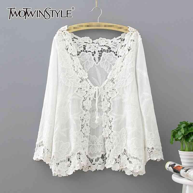 Elegante parche de encaje camiseta para mujer en V cuello manga larga arriba Bowknot Shirts Blanco Estilo de moda femenino 210423
