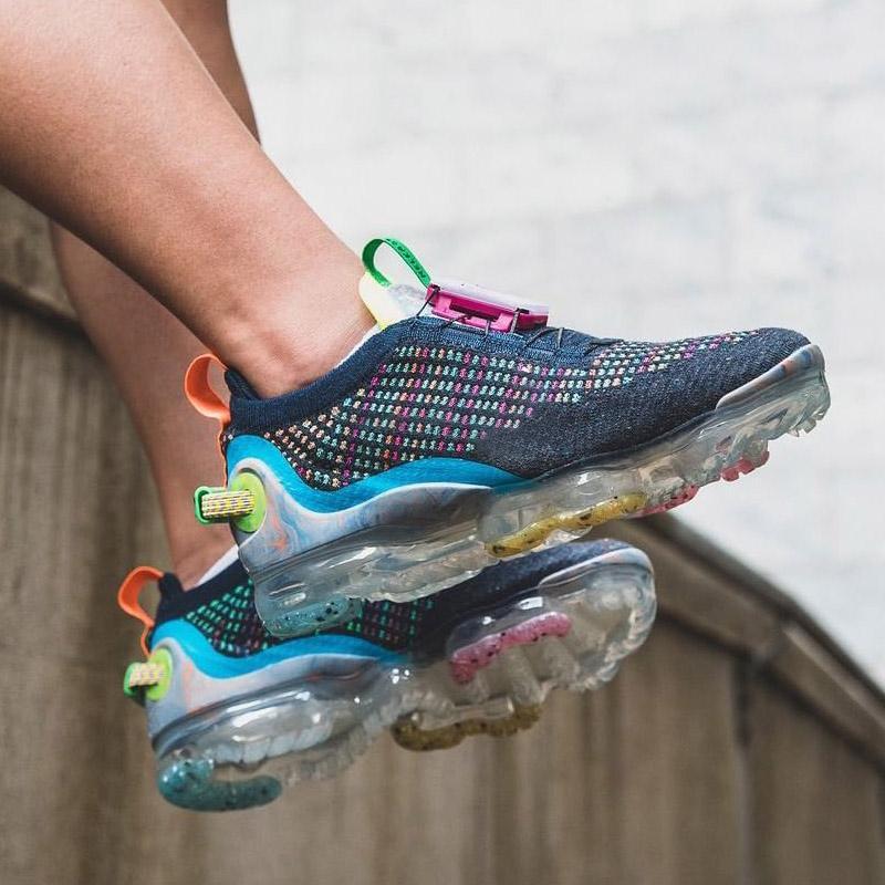 Haber Erkek Koşu Ayakkabıları Release Laceless Moc Flyase Kadınlar Üçlü Siyah Koyu Gri Zirve Beyaz Spor Eğitmenleri Sneakers