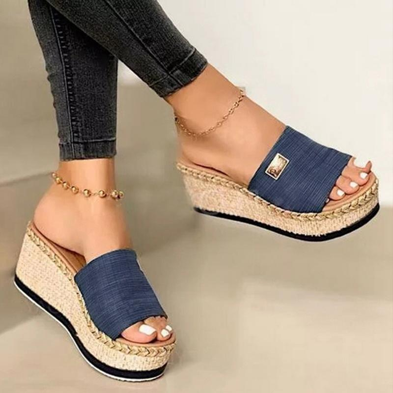 Jour Navire Plateforme Chaussons Chaussons Femmes Sandales 2021 Chaussures Femme Chaussures Fashion Heeled Diapositives d'été occasionnelles