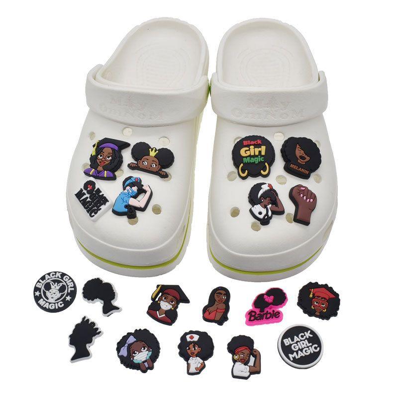Scarpa Charms Nero Lives Matter Croc Blm Fibbonamenti per scarpe per classico Sandali Decorazione braccialetto Braccialetto Braccialetto di compleanno Bomboniere Accessori per scarpe DHL GRATIS