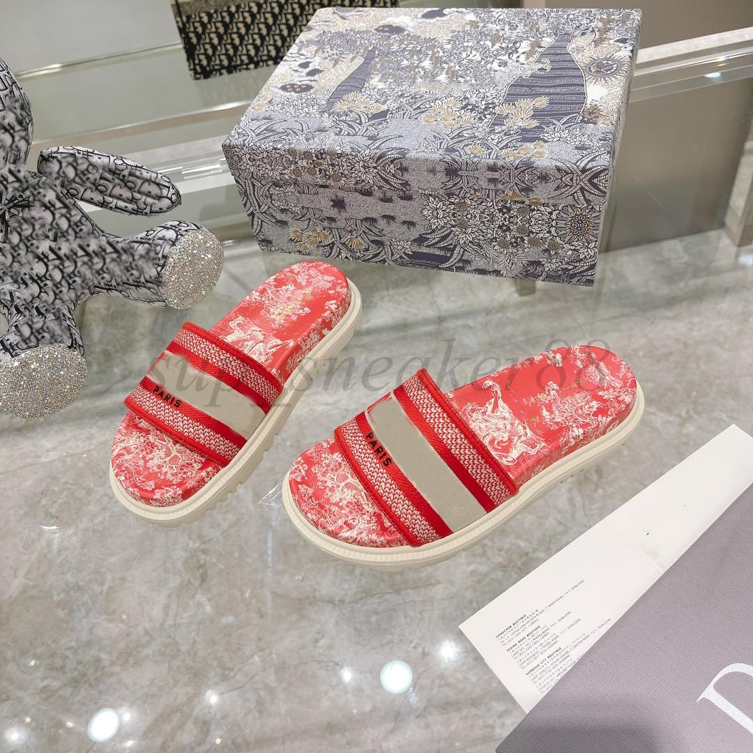Classic Paris Zapatillas para mujer Scoffs Sandalias de verano Playa Slide Chicas Flip Flops Mocasines Belle Three Dimensional Bordado Floral Slides Azul marino