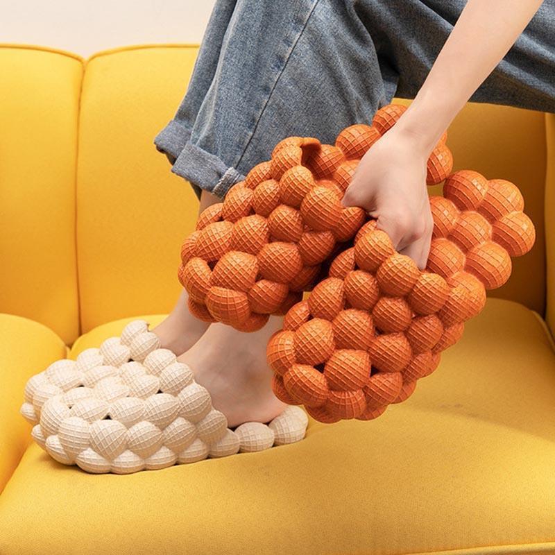 Симпатичные пузырь шарики женские тапочки летний любовник EVA ванная комната слайды дома крытые босоножилые сандалии 2021