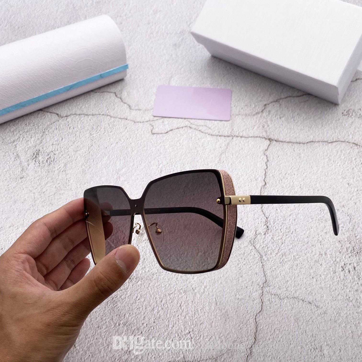 Erkekler Kadınlar için Klasik Tasarımcı Güneş Gözlüğü Vintage Pilot Marka UV400 Lüks Koruma Moda Ayna Boy Çerçeveleri Güneş Gözlükleri 1002 Mens Bayan Kılıf