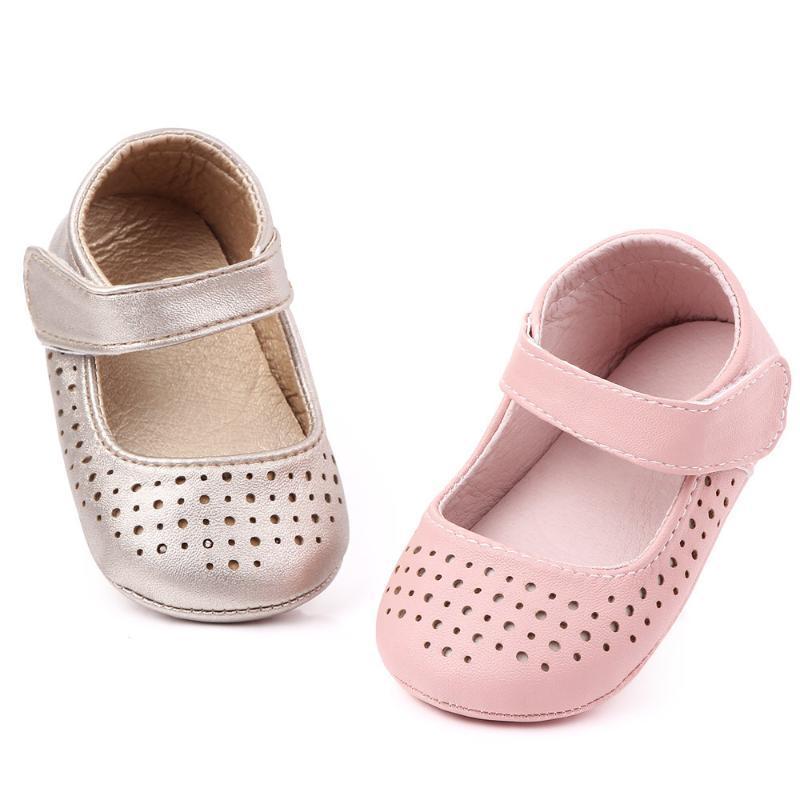 أزياء العلامة التجارية الطفل فتاة أحذية مكافحة تخطي وحيد المشي طفل الشقق المولود أحذية الرضع لمدة سنة واحدة الفتيات أول مشوا