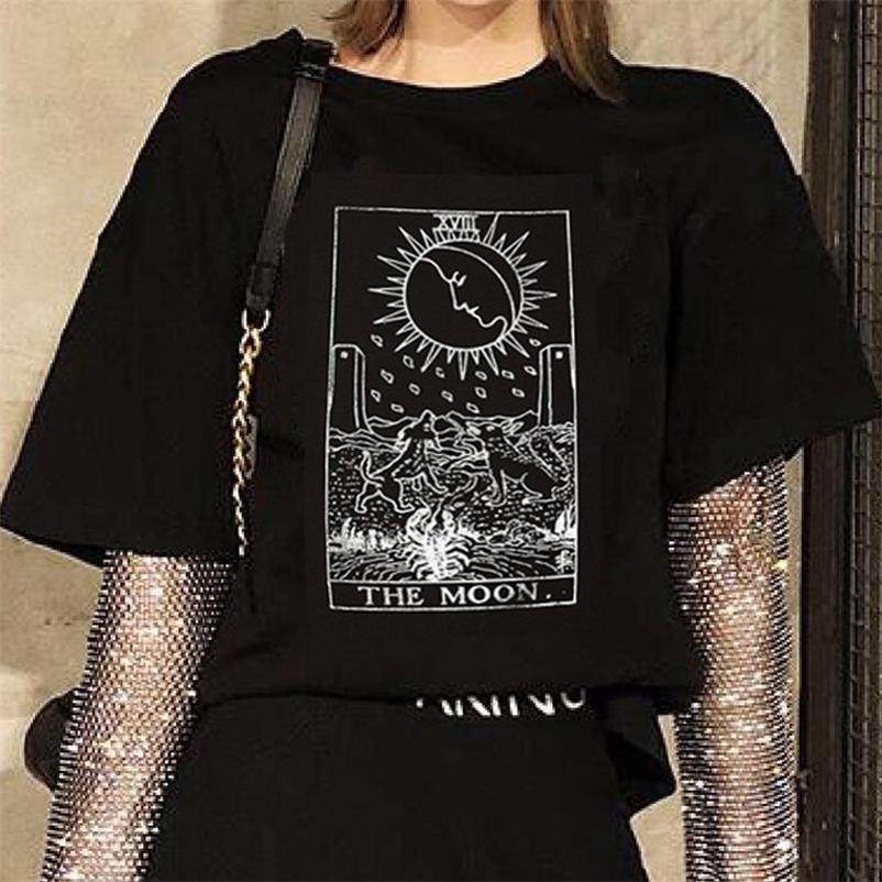 أسود تي شيرت xvii القمر التارو بطاقة القوطية المتناثرة خمر تصميم النساء الرجال للجنسين t-shirt قمم grunge edgy النساء الملابس 210320