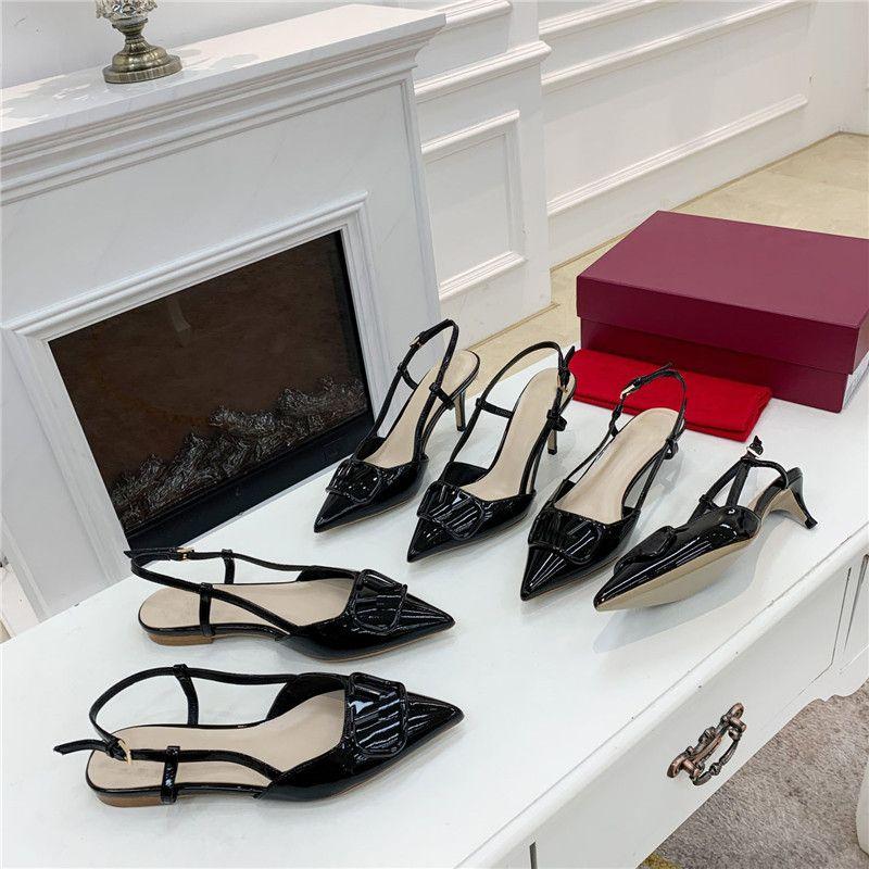 2021 designer frauen sandalen flache high heels kalfskin schnalle spitze spitze hausschuhe schieben flip flop glänzend leder sandale katze ferse stylist schuhe falt 4 cm 7cm
