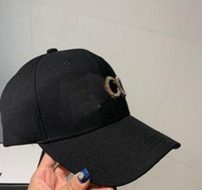 Nuevos productos Blanco y negro Sombrero de dos colores Sombrero de calidad superior de calidad de alta calidad Sombrero de accesorios de moda Supply