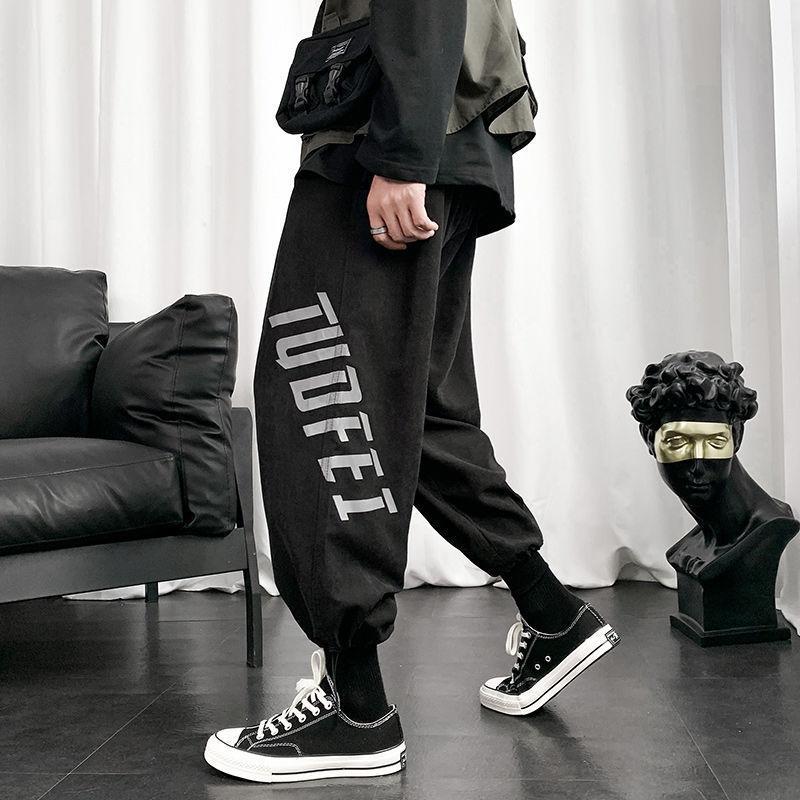 Primavera e outono Juventude Hong Kong Estilo Carta dos homens Impressão Loose Sweatpants Fashion Calças Casuais Calças