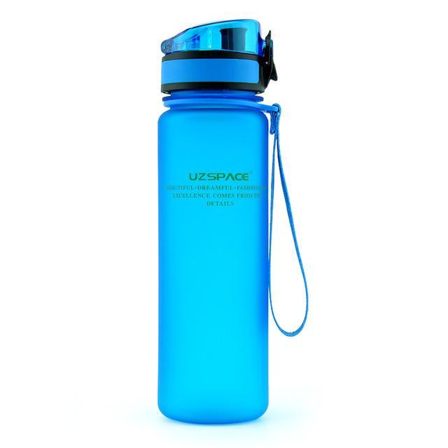 Botella de agua deportiva 500ml 1000ml proteína de proteína al aire libre viajes portátiles a prueba de fugas de fugas de plástico My Bebida Botella BPA gratis
