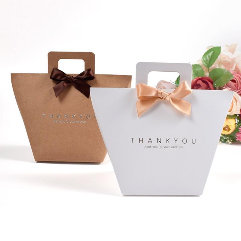 Bianco Merci grazie all'imballaggio Candy Kraft Bag BAG Valentine's Day Matrimonio Dragee Box Regalo Cake Baby Doccia con manici