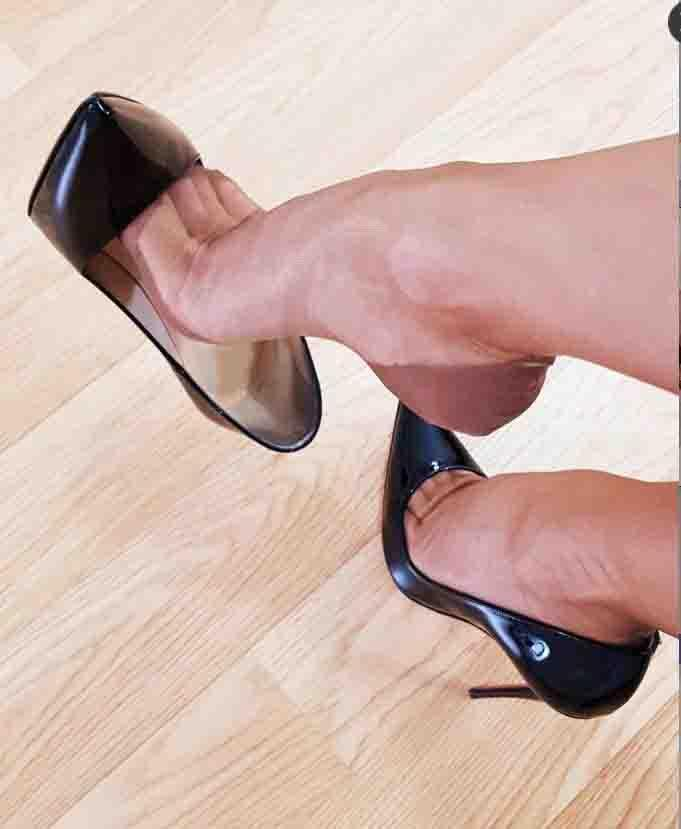 Luxurious Summer Sandals Classic Women Brand Red Bottom High Heels Patent Leather Pointy Toe Dress Shoes Luxury Shallow Mouth Red Sole Wedding Shoes