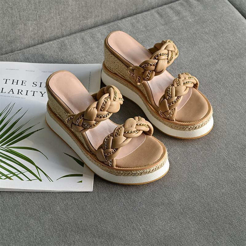 Plate-forme plate Pantoufles modernes Mode Spring Croîmes Femmes Sandales Sandales Métal Chaîne Chaussures Paille Taille de la main 34-40