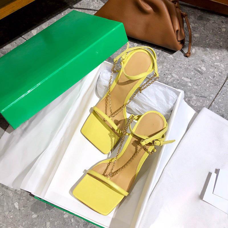 عالية الجودة الصنادل الإمتداد نابا الجلود صندل الكاحل حزام عالية الكعب مربع تو مضخة سلسلة حزام النساء أحذية مصمم فاخر الوجه يتخبط كعب أزياء اللباس حذاء