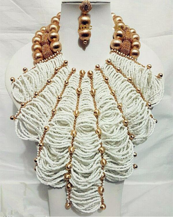 Серьги Ожерелье Роскошные Африканские Ювелирные Изделия Наборы Нигерии Свадебные Кристаллические Бусины Для Неведов Королева Bridal Flower Bib Заявление ABH427