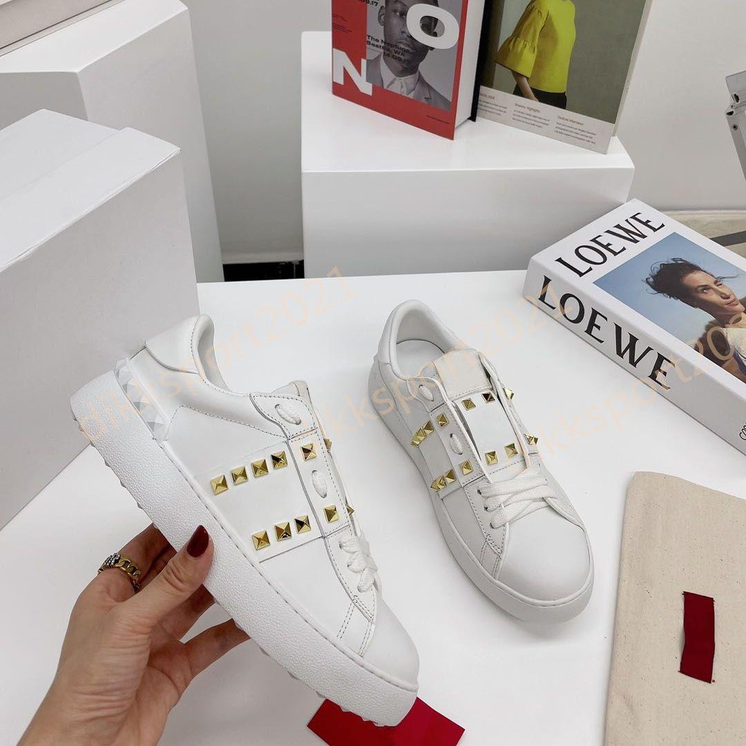 Hommes de qualité supérieure femmes femmes confortables chaussures de robe blanche black mode hommes femmes véritables sneakers occasionnels
