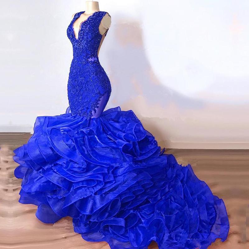 2021 Royal Blue Sexy Mermaid Pal Robes Plunge Col Vol Dentelle Crystal Organza Vols à volants Jupes De Jeunes Robe de soirée Taille Taille Taille