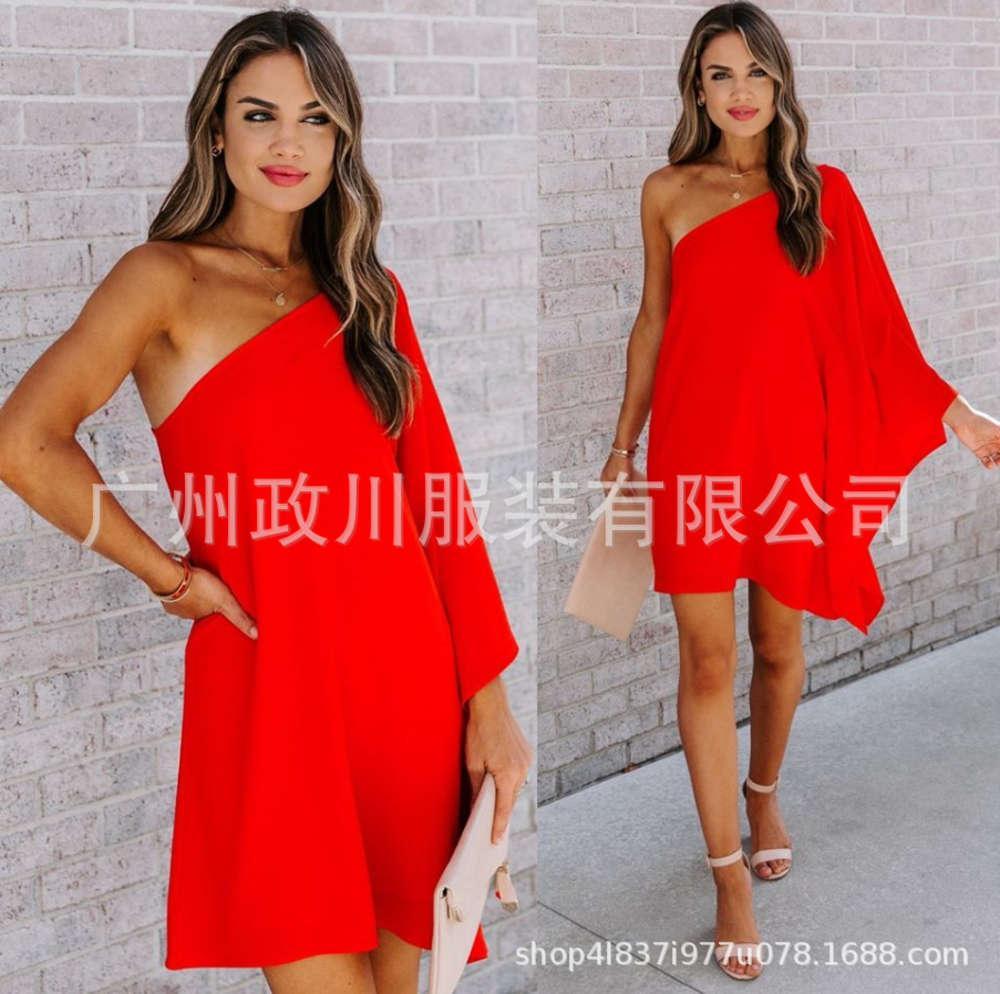 Robe 2020 Automne Nouvelle Mode Femme Robe irrégulière à épaule de couleur solide