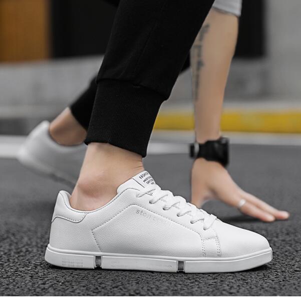 الصيف الاحذية خفيفة الوزن تنفس رجل إمرأة الأحذية شقة الدانتيل متابعة تنيس الأحمر أسود أبيض أحذية رياضية الحجم 36-45