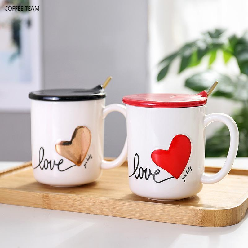 Canecas 400ml Coração criativo do pêssego copo cerâmico com colher da tampa Caneca de café dos pares e