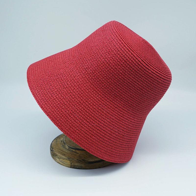 الصيف المنسوجة cloche دلو عادي الشمس للنساء الفرنسية الرجعية نمط واسعة بريم الأحمر الأسود القش كوتور ديربي السيدات قبعة 210323